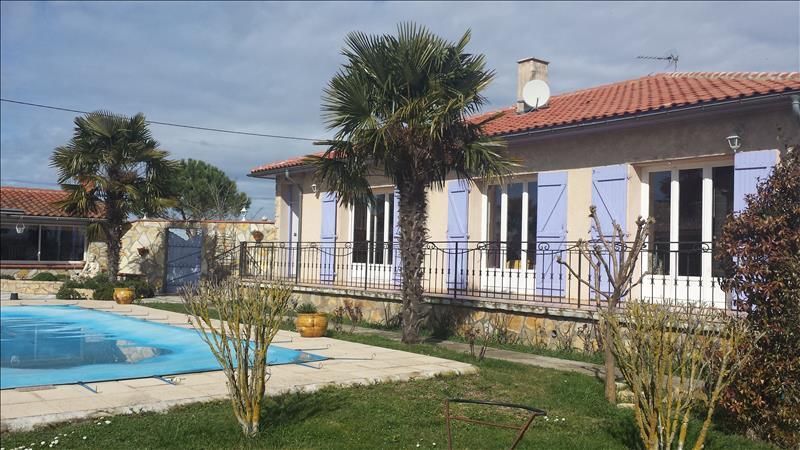 Maison EAUNES - 4 pièces  -   135 m²