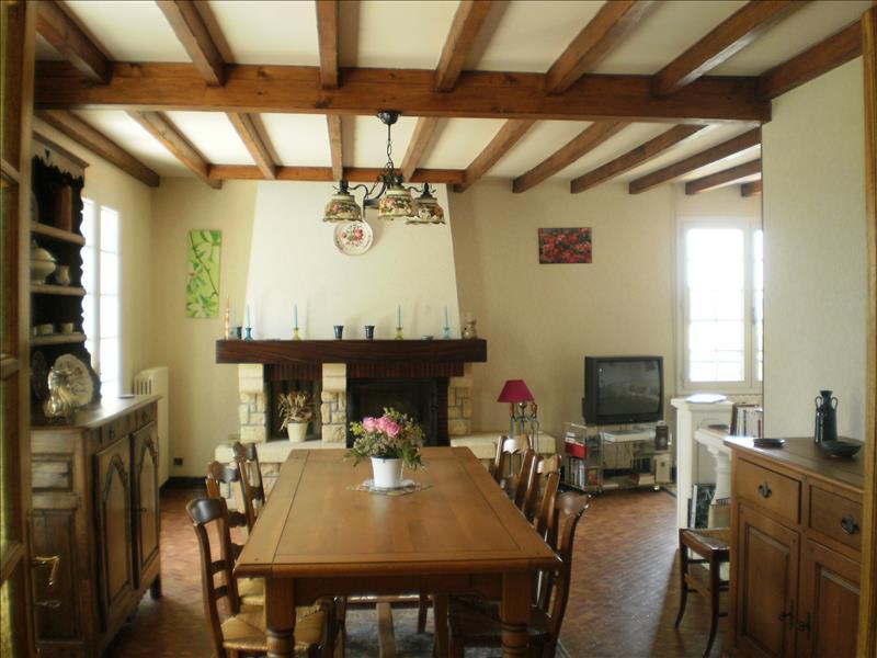 Maison CHALAIS - 5 pièces  -   144 m²