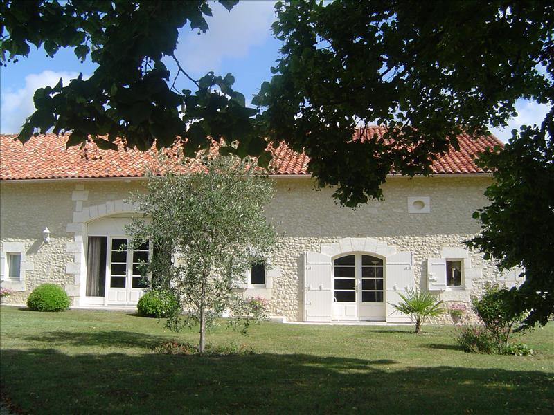 Vente Maison NABINAUD (16390) - 6 pièces 215 m²