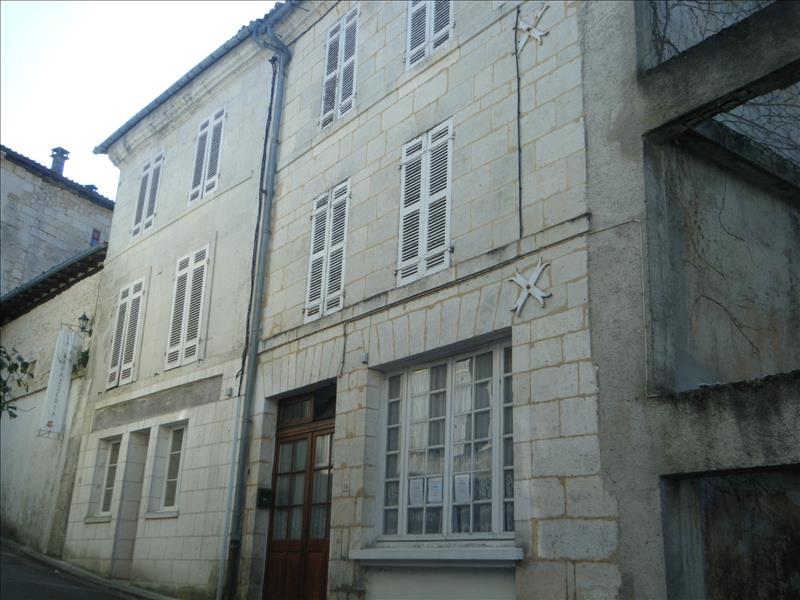 Maison AUBETERRE SUR DRONNE - 4 pièces  -   96 m²