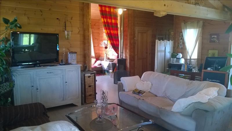 Maison BROSSAC - 3 pièces  -   102 m²