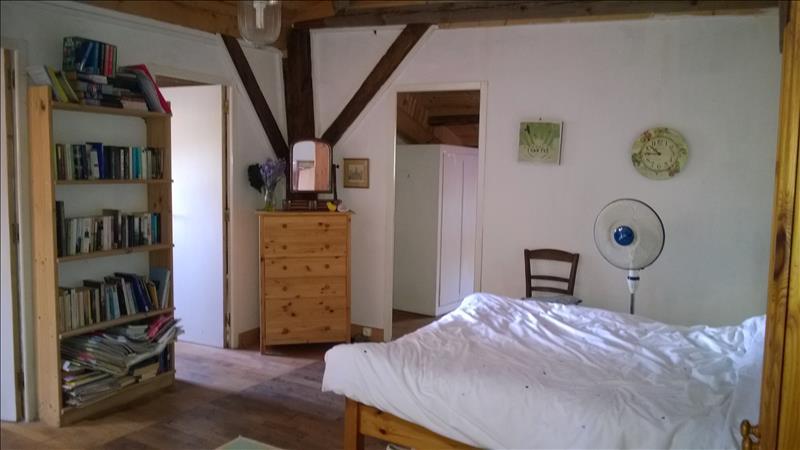 Maison ST SEVERIN - 3 pièces  -   109 m²