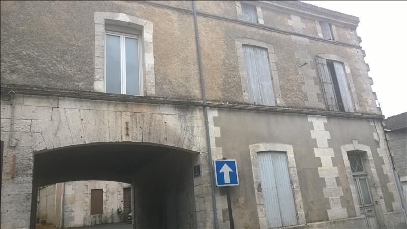 Maison ST SEVERIN - 4 pièces  -   108 m²