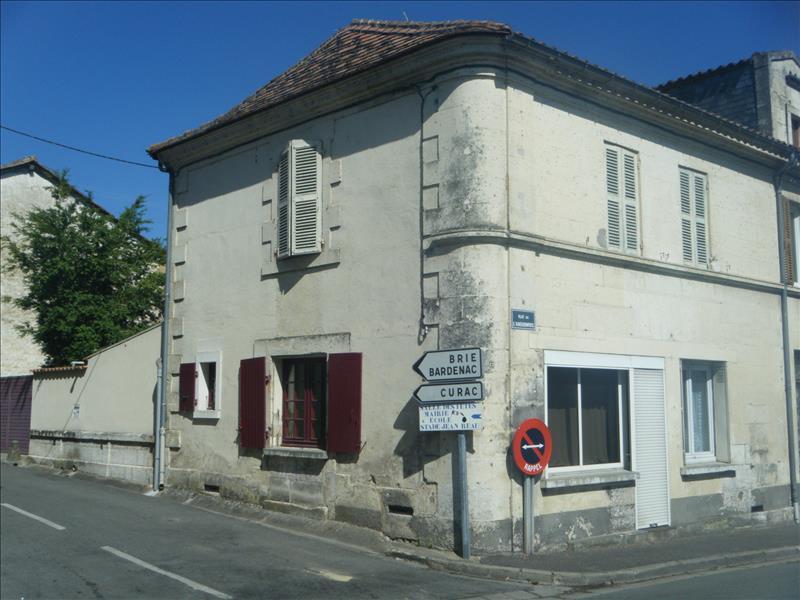 Maison MONTBOYER - 4 pièces  -   110 m²