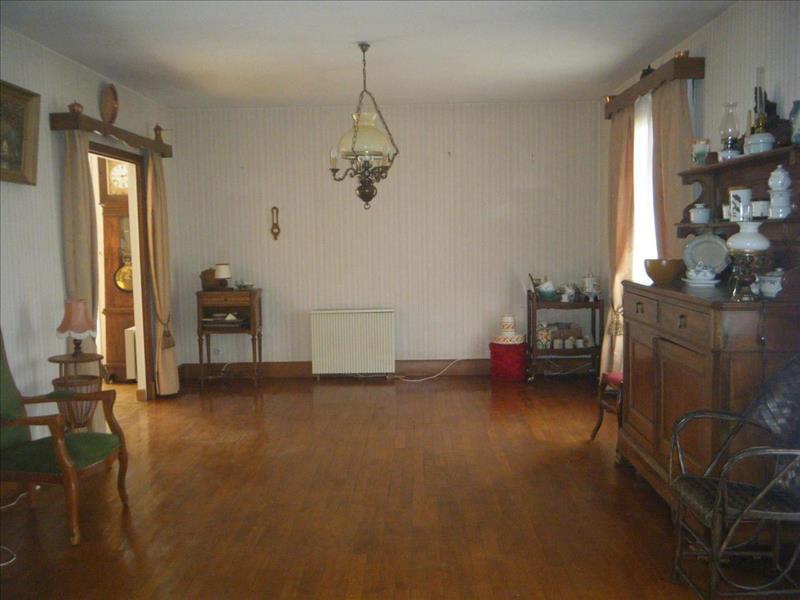 Vente Maison CHALAIS (16210) - 5 pièces - 119 m² -