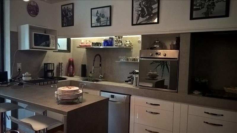 Maison VILLENEUVE SUR LOT - 8 pièces  -   192 m²