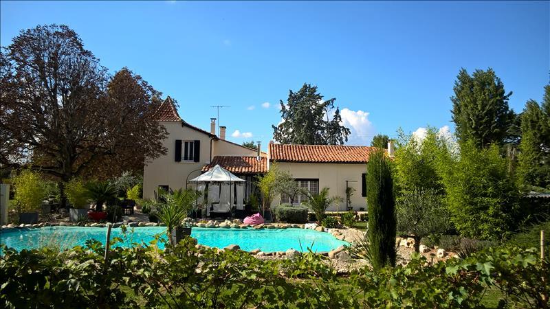 Vente Maison VILLENEUVE SUR LOT (47300) - 7 pièces 174 m²