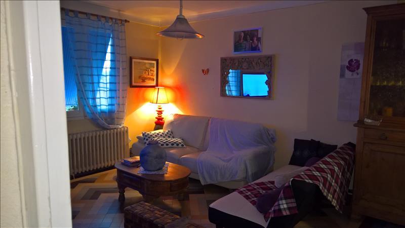 Maison ST SYLVESTRE SUR LOT - 7 pièces  -   140 m²