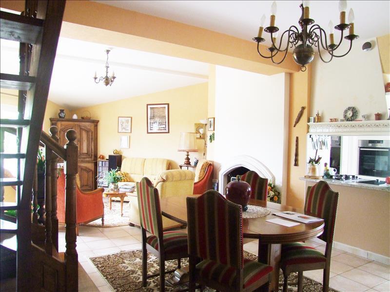 Maison VILLENEUVE SUR LOT - 7 pièces  -   180 m²