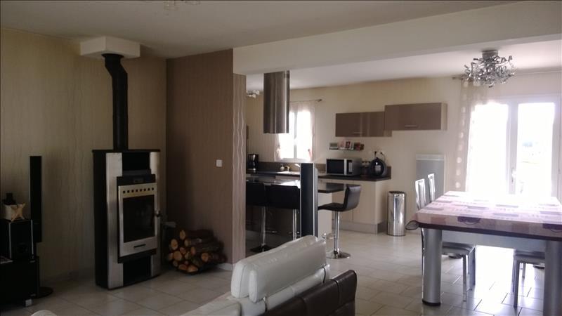 Maison CLERE LES PINS - 8 pièces  -   190 m²