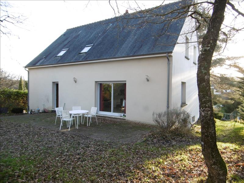 Maison ST ETIENNE DE CHIGNY - 7 pièces  -   167 m²