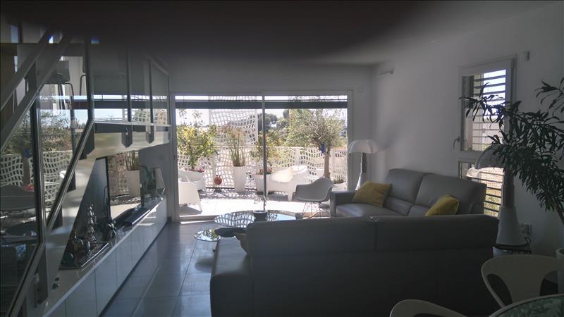 Appartement CASTELNAU LE LEZ - 3 pièces  -   100 m²