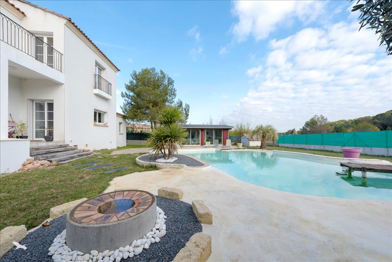 Vente Maison ST JEAN DE CORNIES (34160) - 5 pièces 305 m²