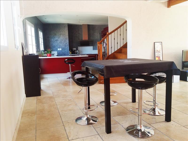 Maison MAGALAS - 6 pièces  -   195 m²