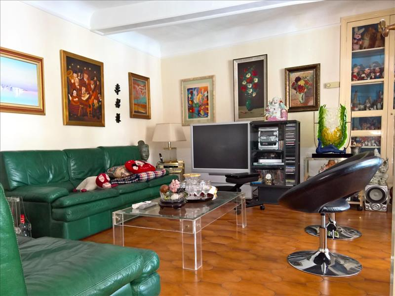 Maison CAUX - 9 pièces  -   240 m²