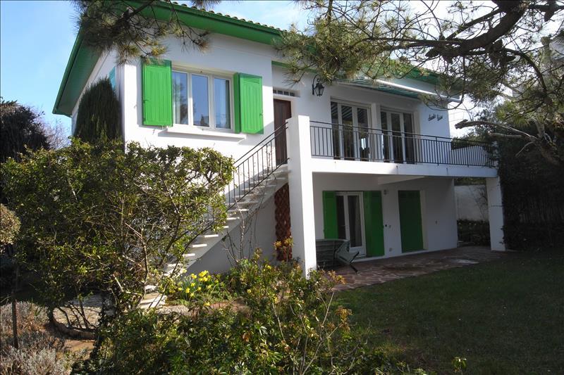 Maison ROYAN - 5 pièces  -   132 m²
