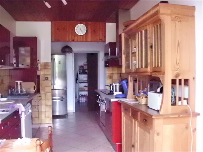 Maison LEVIGNAC DE GUYENNE - 11 pièces  -   241 m²