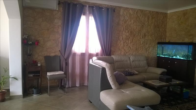 Maison SAVIGNAC DE DURAS - 6 pièces  -   132 m²