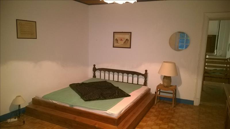 Maison COURS DE MONSEGUR - 7 pièces  -   274 m²