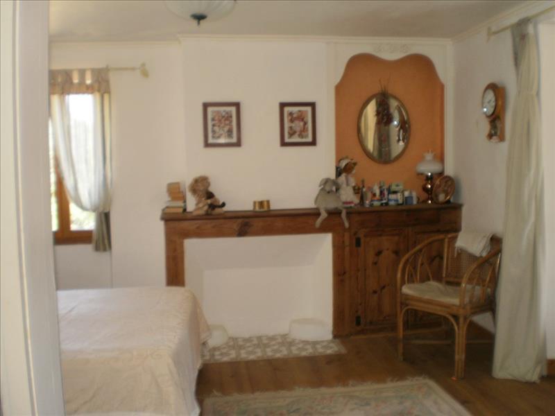 Maison  - 5 pièces    -   200 m² - ST PARDOUX ISAAC (47)