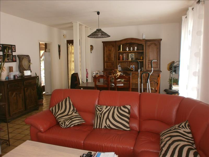 Maison ROUMAGNE - 4 pièces  -   85 m²
