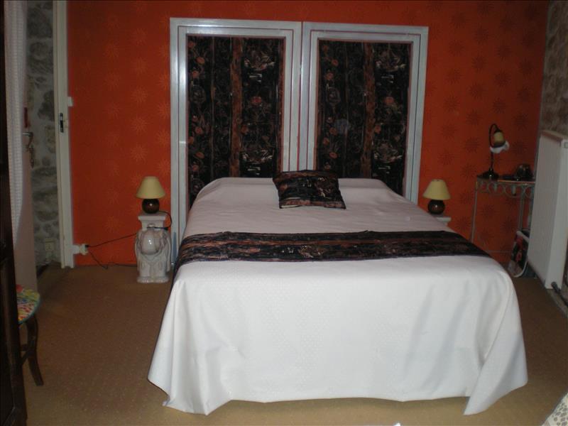 Maison MIRAMONT DE GUYENNE - 5 pièces  -   240 m²