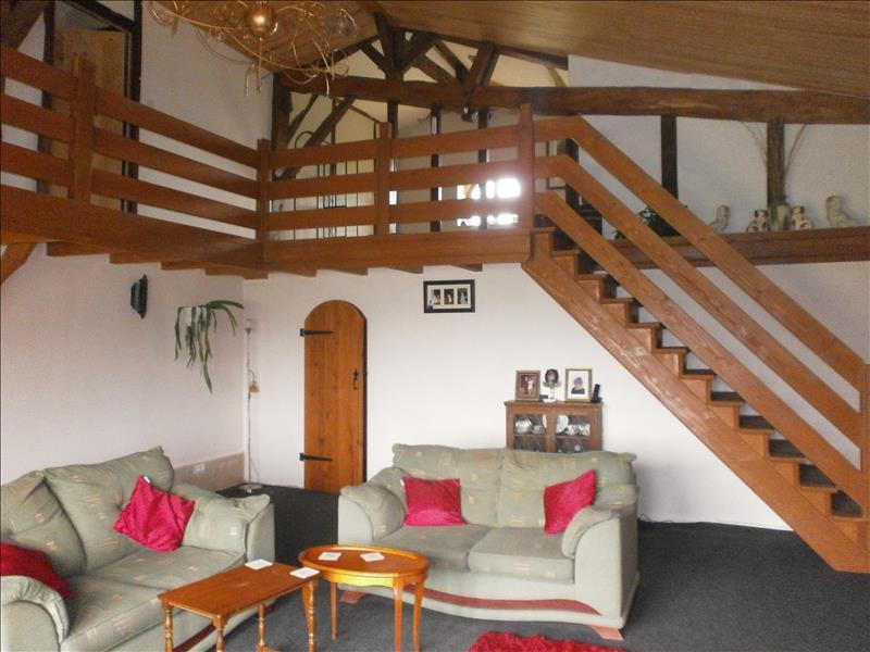 Maison BOURGOUGNAGUE - 6 pièces  -   200 m²