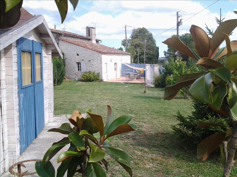 Maison EYMET - 3 pièces  -   67 m²