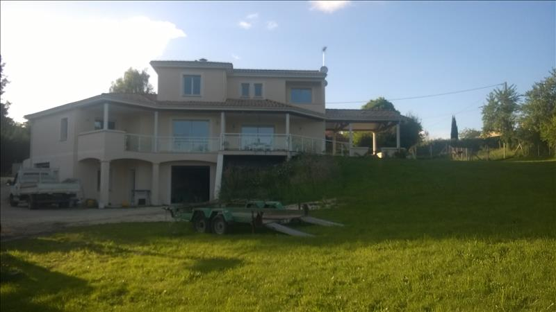 Maison CHANCELADE - 6 pièces  -   190 m²