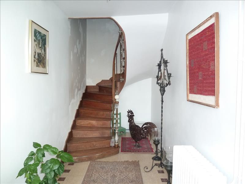 Maison LA CROIX COMTESSE - 6 pièces  -   206 m²