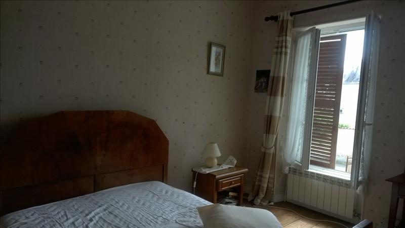 Maison ST JEAN D ANGELY - 6 pièces  -   214 m²