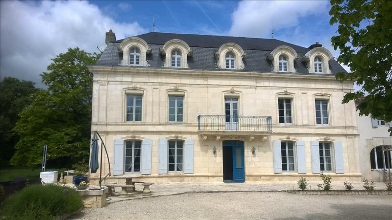 Vente Maison NANTILLE (17770) - 13 pièces 346 m²