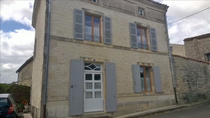 Maison ST MANDE SUR BREDOIRE - 4 pièces  -   161 m²