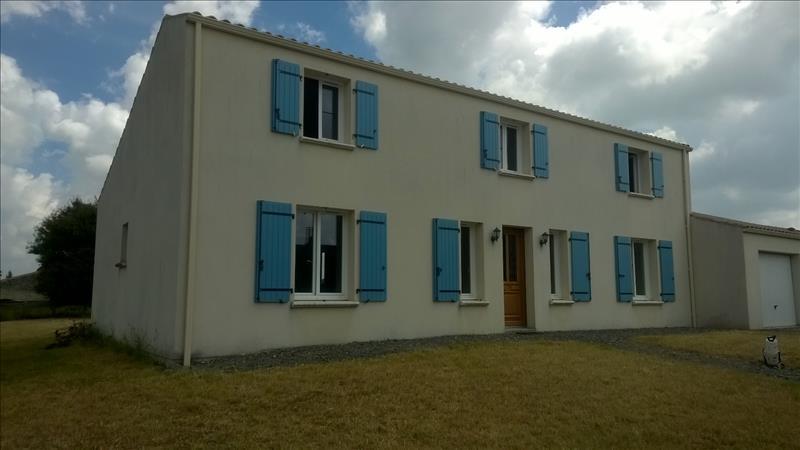 Maison VILLENEUVE LA COMTESSE - 6 pièces  -   133 m²