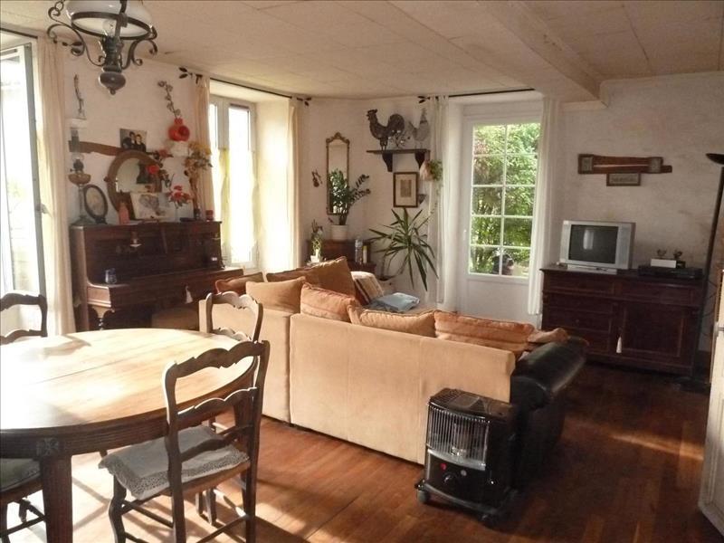 Vente Maison ST JULIEN DE L ESCAP (17400) - 5 pièces - 177 m² -