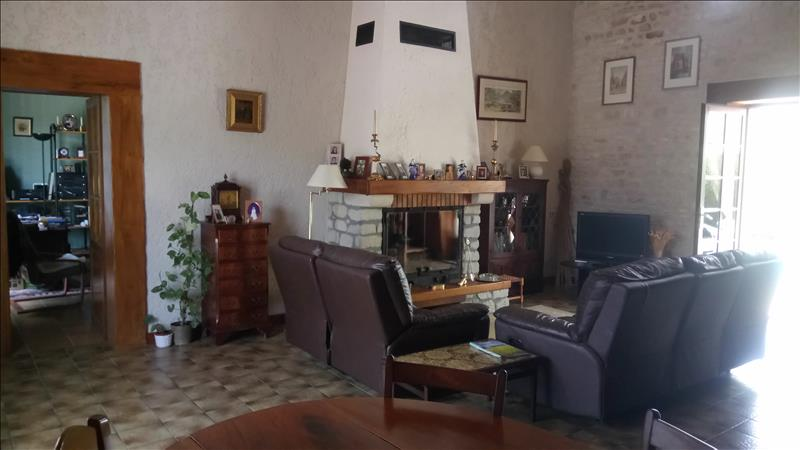 Vente Maison ST MARTIAL (17330) - 6 pièces - 142 m² -