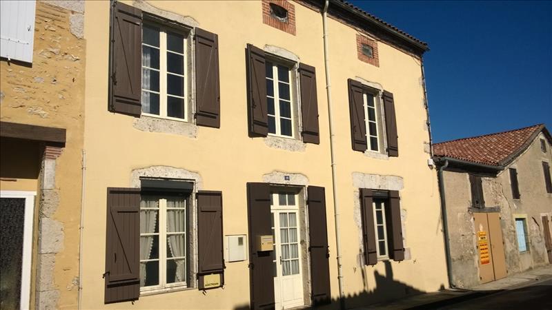 Maison BUZET SUR BAISE - 5 pièces  -   142 m²