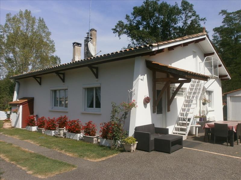 Maison HOUEILLES - 4 pièces  -   105 m²