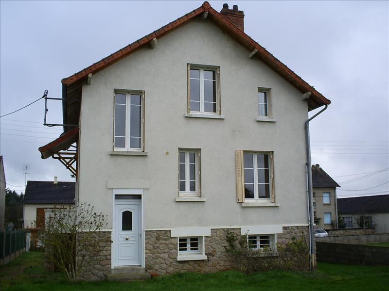 Maison BOUSSAC - 5 pièces  -   128 m²
