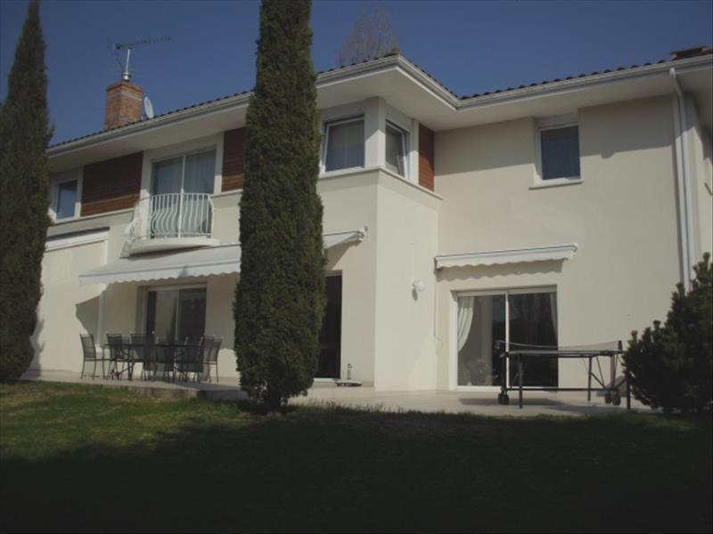 Maison ESTIVAREILLES - 9 pièces  -   252 m²