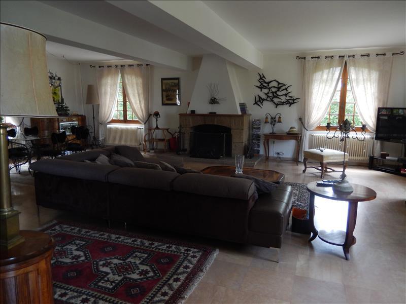Maison ESTIVAREILLES - 8 pièces  -   300 m²