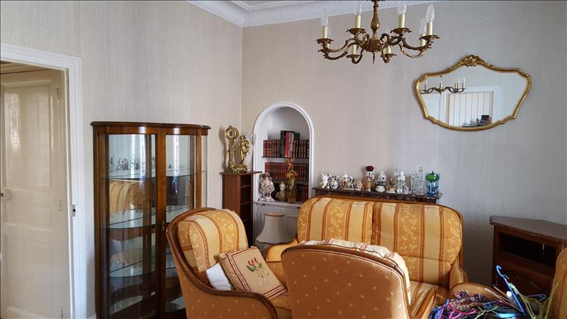 Maison MONTLUCON - 6 pièces  -   150 m²