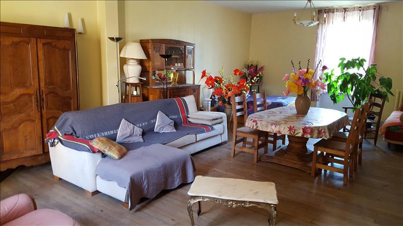 Maison NERIS LES BAINS - 10 pièces  -   300 m²