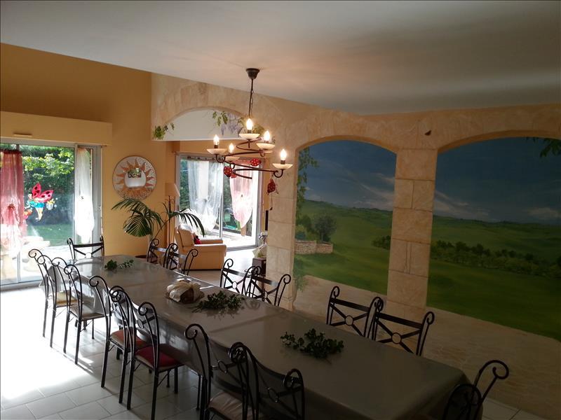 Maison CHERVEIX CUBAS - 14 pièces  -   296 m²