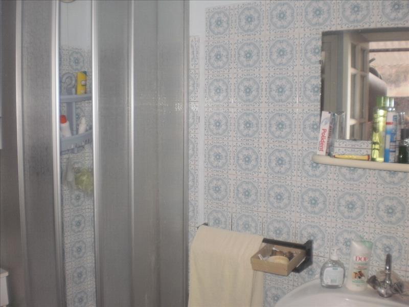 Maison GENIS - 8 pièces  -   150 m²