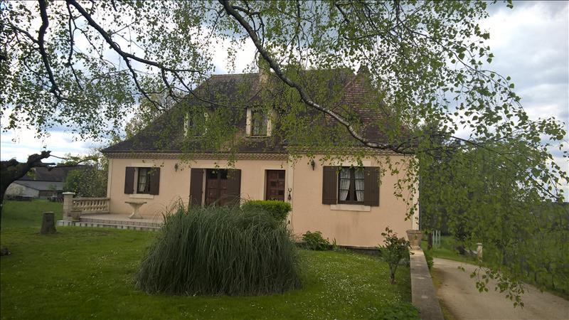 Maison ST SULPICE D EXCIDEUIL - 8 pièces  -   190 m²