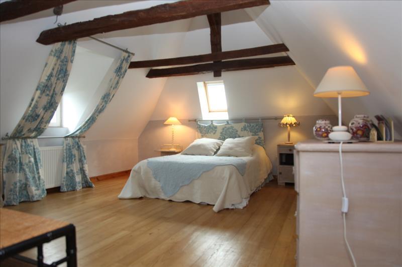 Maison ST RAPHAEL - 8 pièces  -   316 m²