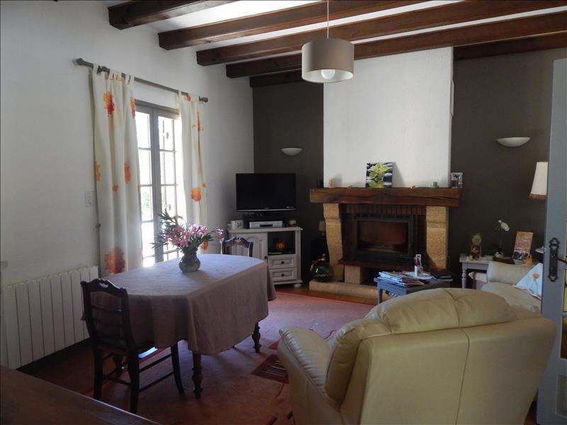 Maison LE BUGUE - 7 pièces  -   180 m²