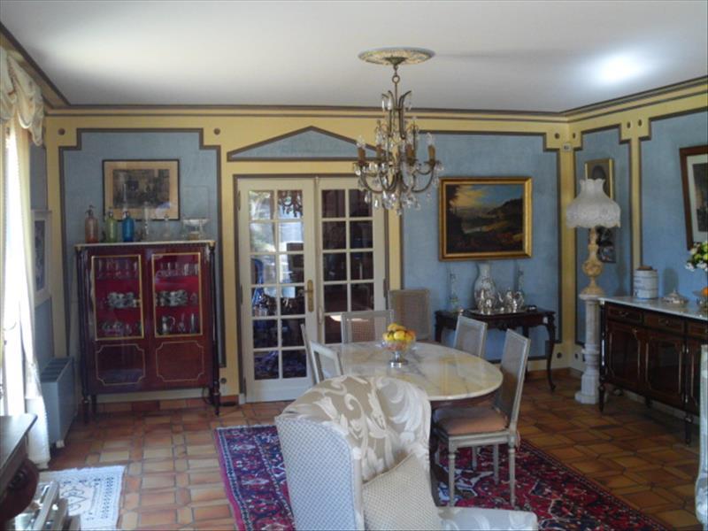 Maison CASTELS - 6 pièces  -   160 m²