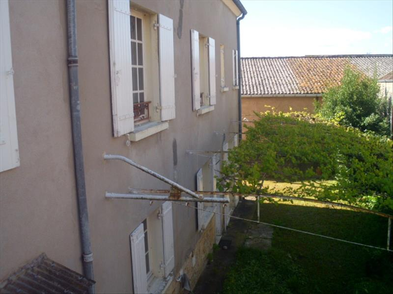 Maison ST CYPRIEN - 9 pièces  -   190 m²